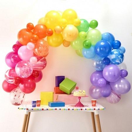 Ballongirlande DIY Regenbogenfarben