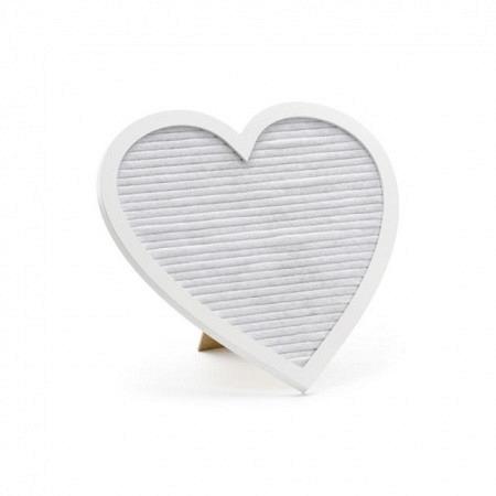 Schreibtafel in Herzform mit Buchstaben